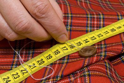 Maßgenaues Schneidern geht mit Kleiderpuppen besser.