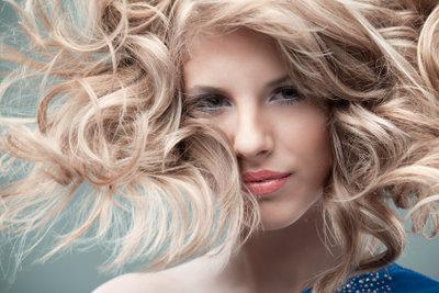 Tolle Haarpflege mit einfachen Hausmitteln