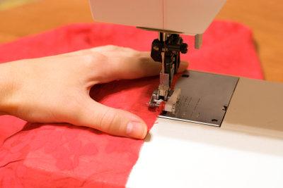Eine Bluse ist mit einem Schnittmuster einfach genäht.