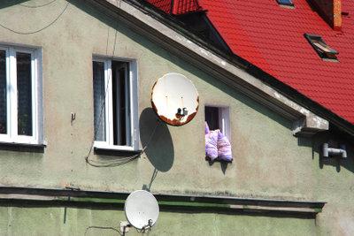 Verkleiden Sie die Fassade mit Eternit.