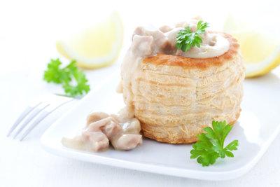 Kochen Sie ein leckeres Ragout Fin.