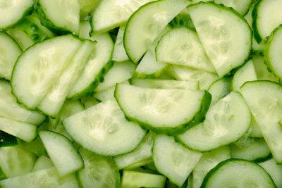 Ein Gurkensalat ist schnell gemacht.