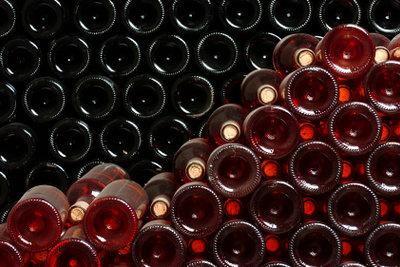 Wein überlebt nur bei richtiger Lagerung.