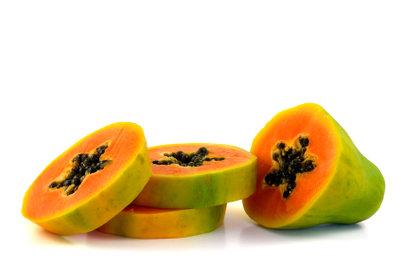 Exotische Papayas schmecken süß