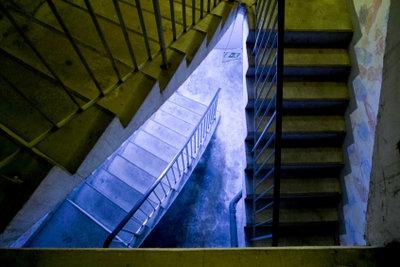 Mosaikputz passt gut in Treppenhäuser.