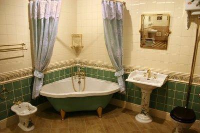 Eine emaillierte Badewanne richtig säubern.