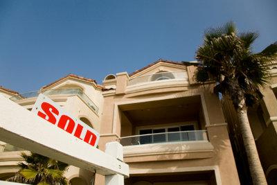 Auf Immobilien werden Grundstücksteuern erhoben.