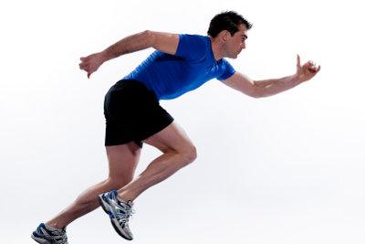 Kohlenhydratreiche Ernährung wirkt beim Sprinter leistungssteigernd.