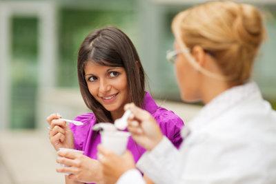 Zitronen-Joghurt ist bekömmlich und erfrischt.