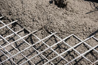 Betonieren Sie die Bodenplatte selber.