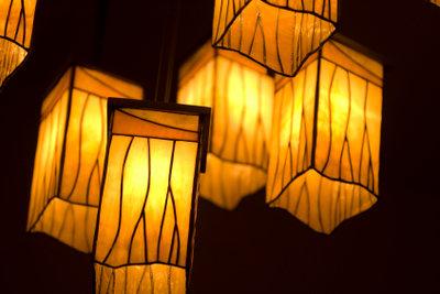 Lampen können aus Plexiglas gefertigt werden