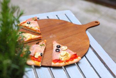 Die beste Pizza kommt aus Italien.