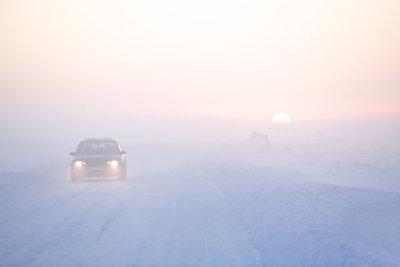 Sicher fahren auf winterlichen Straßen.