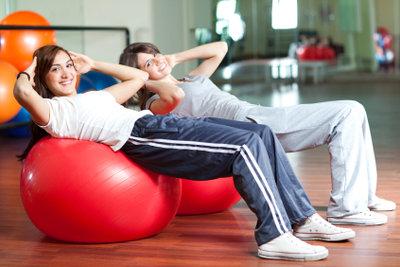 Bauchmuskeltraining kann auch Spaß machen.