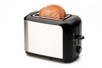 Auch ein Toaster braucht Pflege.