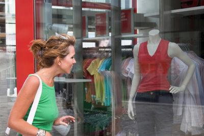 Ein attraktives Schaufenster weckt die Kauflust.