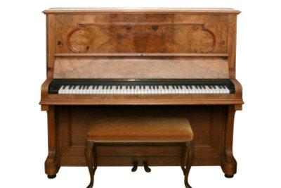Ein Klavier funktioniert auch als Bar!