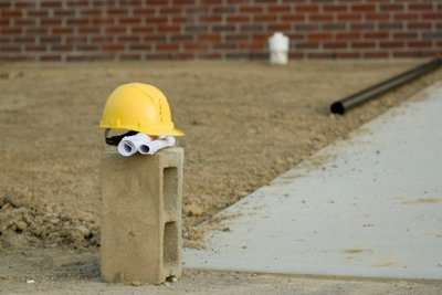 Fundamente bestehen aus Beton.