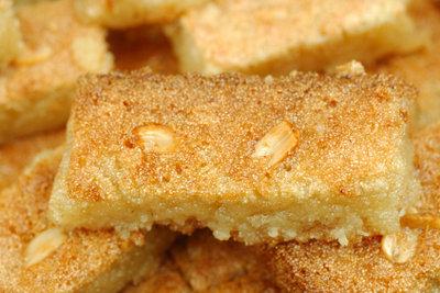 Mandeln sind ein Muss bei Butterkuchen.
