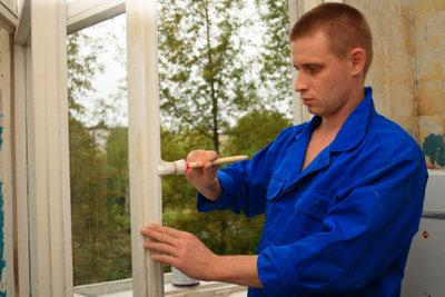 Alter Fensterkitt sollte entfernt werden.