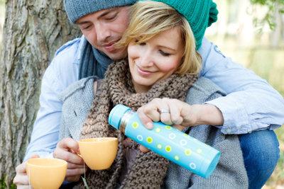 Veranstalten Sie ein romantisches Picknick.