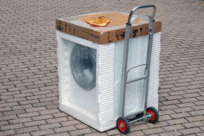 So gelingt der Transport der Waschmaschine.