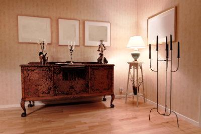 Restaurieren Sie Ihren Wohnzimmerschrank.