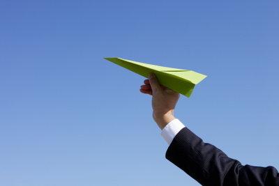 Basteln Sie den perfekten Flieger.
