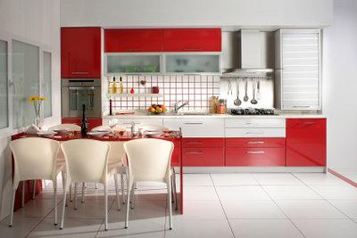 Rote Küchen sind im Trend.