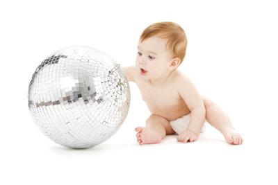 Babys entdecken die Welt.