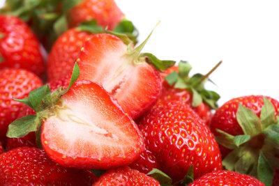So gelingt Kuchen mit frischen Erdbeeren.