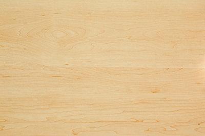 Verkleiden Sie Ihre Wände mit Holz.