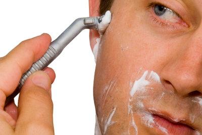 Rasiergel wird ähnlich angewendet wie Schaum.