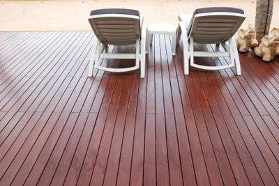 So pflegen Sie eine Bongossi-Terrasse.