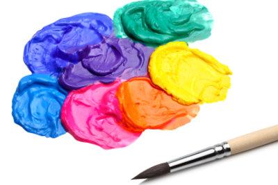 Mischen Sie Acrylfarben miteinander.