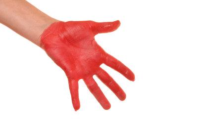 Lackfarbe auf den Händen? Kein Problem!