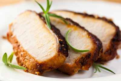 Rotweinsoße passt ausgezeichnet zu Schweinefleisch.
