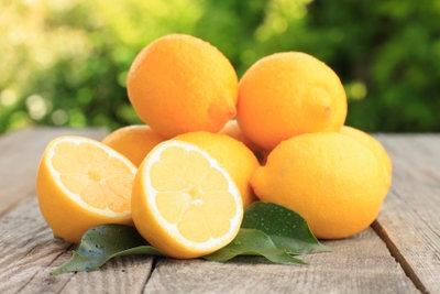 Verwenden Sie unbehandelte Zitronen für Zitronenpfeffer.