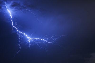 Sie sollten sich vor Blitzen schützen