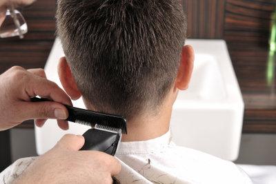 Nackenhaare rasieren