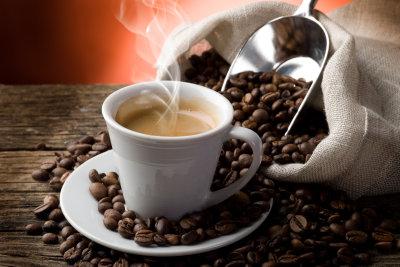 Kaffee kann man zuhause selber rösten.