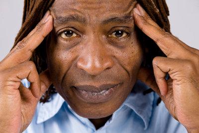 Akupressur hilft gegen Kopfschmerzen.
