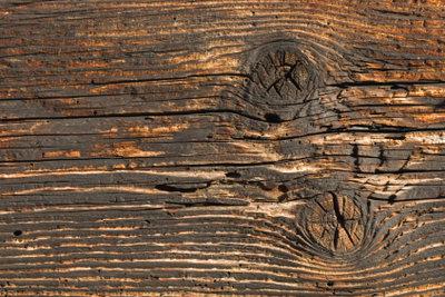 Holzbalken können sicher verbunden werden.