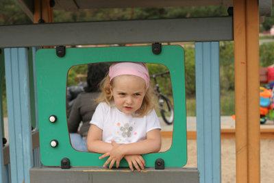 Oftmals lieben Kinder ihre Erzieherin.