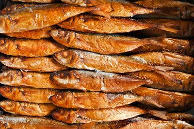 Geräucherter Fisch ist eine beliebte Spezialität.