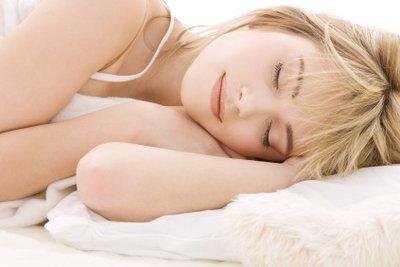 Besser schlafen mit einem Dinkelkissen.