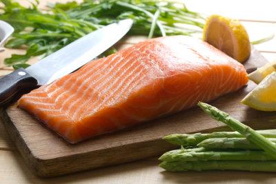 So bereiten Sie ein Lachsgericht zu.