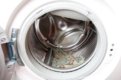 Waschmaschinen reinigen Nylonjacken bestens.