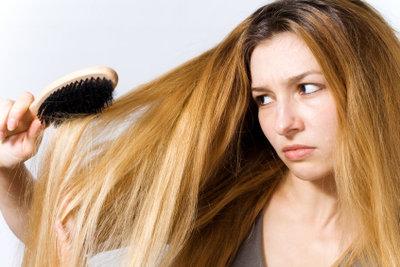 Pflegen Sie Ihre trockenen Haare samtweich!