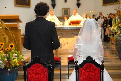 Wichtig: Richtiger Pfarrer für die Hochzeit.